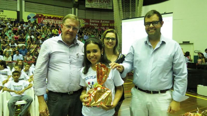 Edução e SAAE premiam alunos em concurso sobre Água